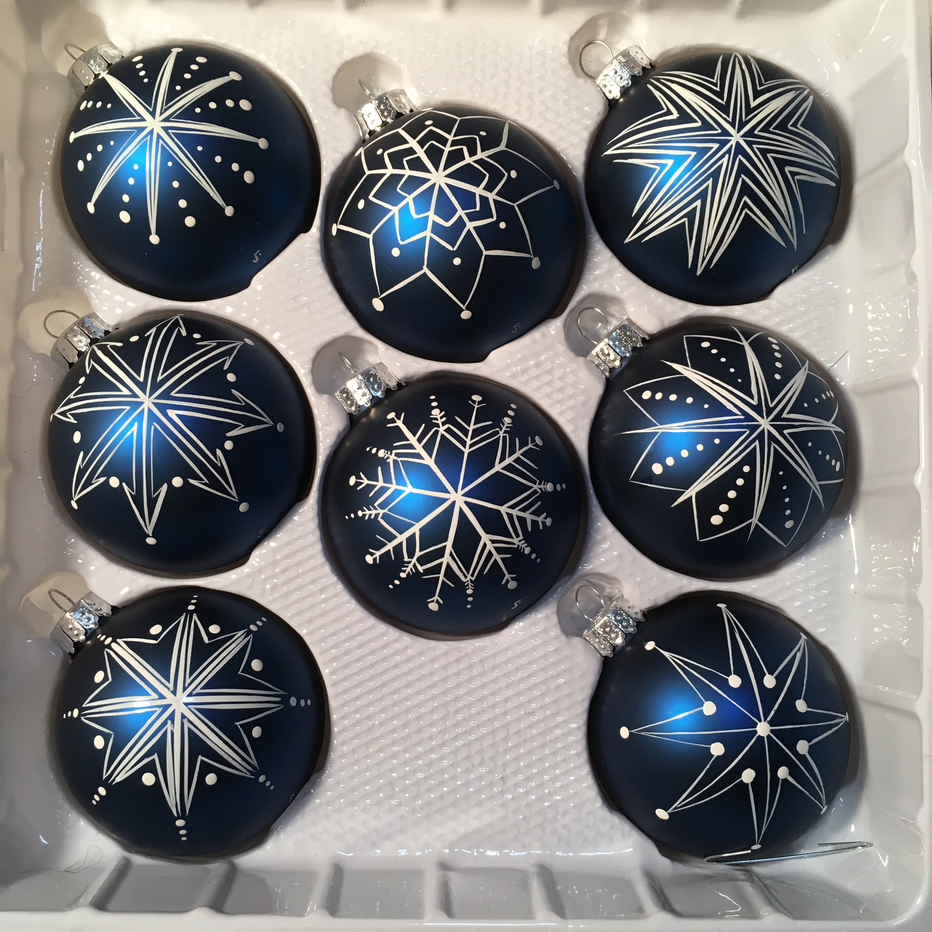 blue eye eyeball ornament